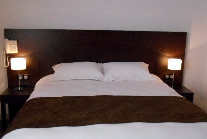 Bedroom 16 Hotel Verdun France