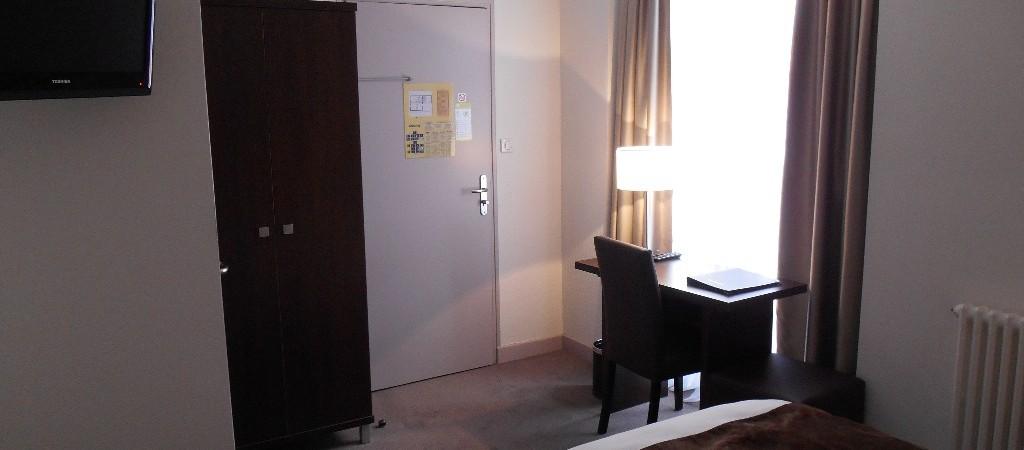 Chambre n°16 de l'hotel de Montaulbain espace de travail