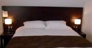 ue du lit 2 personnes de la chambre n°16 de l'hotel de Montaulbain Verdun