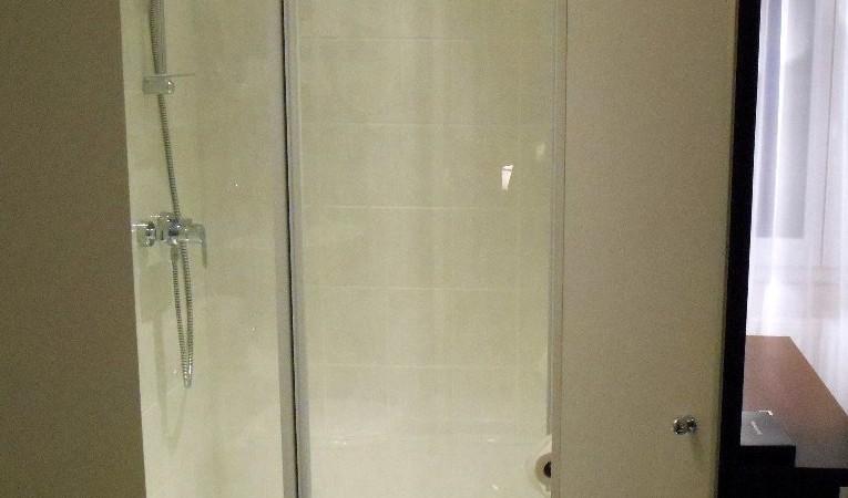 salle d'eau de la chambre n°15 de l hotel de Montaulbain