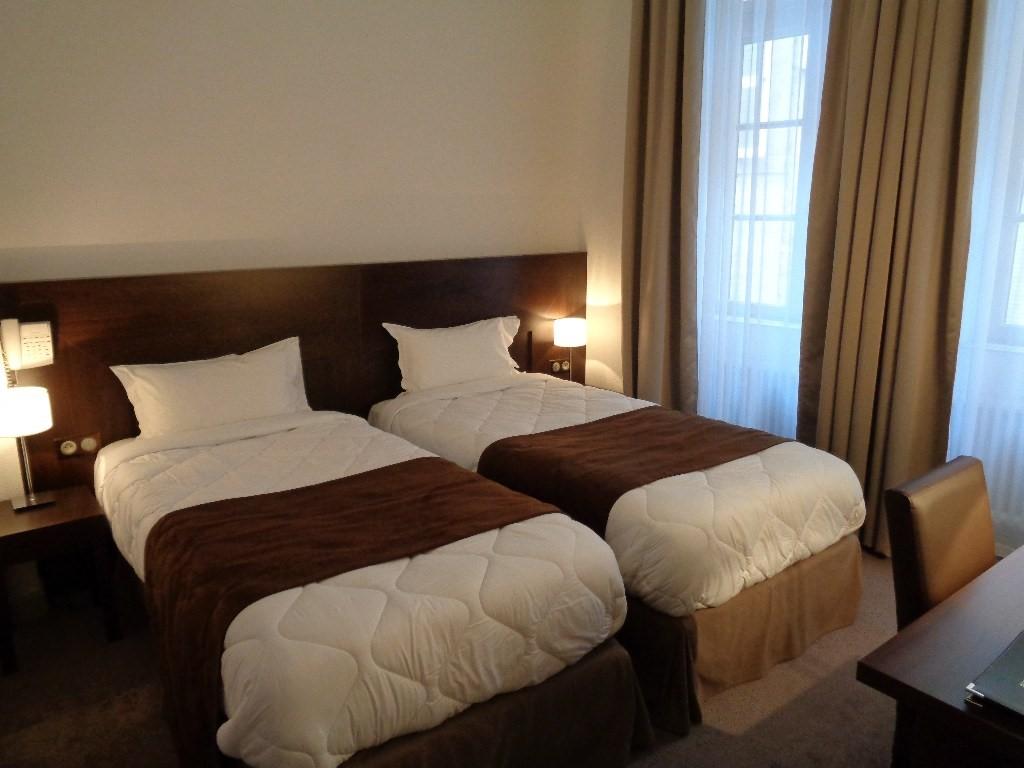 Verdun chambre d 39 h tel 2 lits d 39 1 personne au montaulbain - Hotel chambre 4 personnes ...