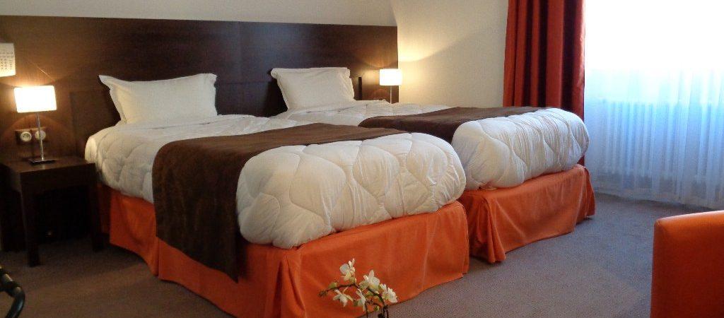 Chambre 18 hotel de montaulbain Verdun en Meuse